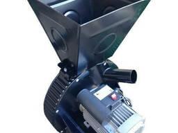 Зернодробилка VEGiS Фермер Д-1 (2, 2 кВт) для зерна и. ..