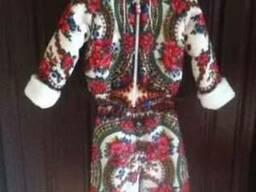 Зимний детский костюм из платка на мехе мутона