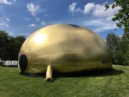 Золотая надувная промопалатка